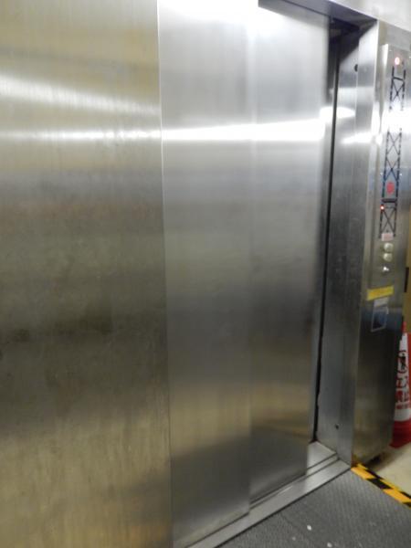 ブリッジワールドツアー 主塔エレベーター