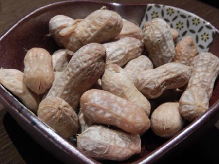 一張羅 塩茹でピーナッツ