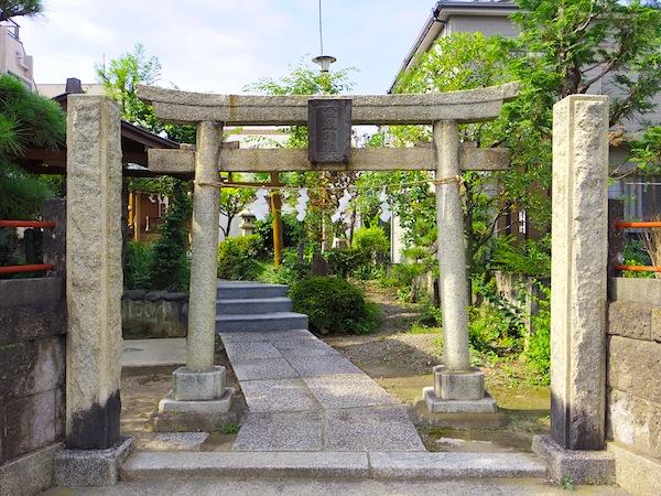 「金山神社塚(旧金山神社古墳)」