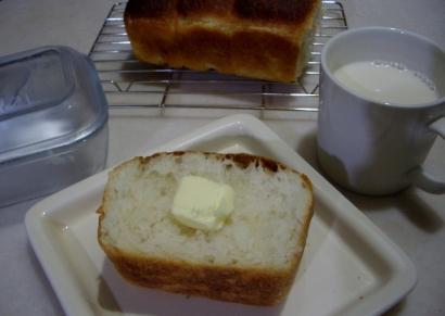 手作りパン(パン・ド・ミー)
