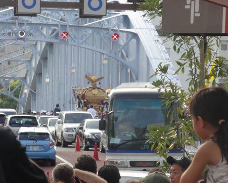 永代橋を渡って深川に戻ってきた
