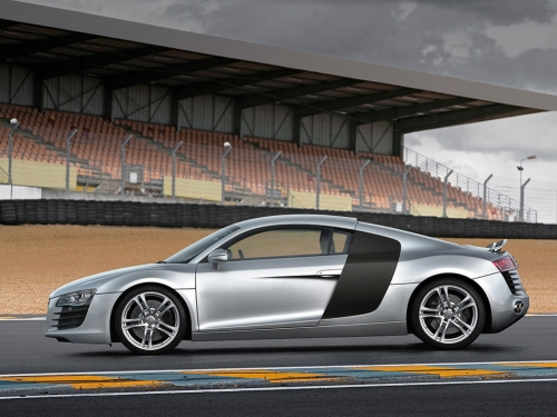 2007-Audi-R8_02