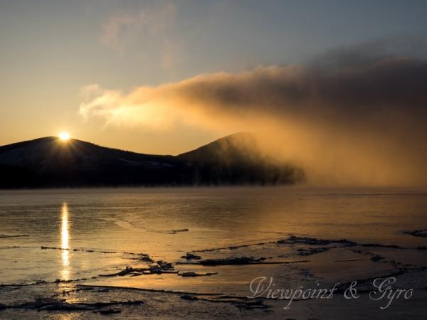 山中湖の朝靄 A