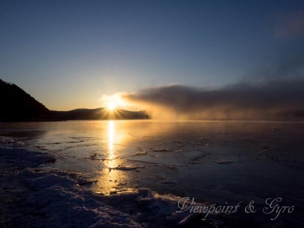 山中湖の朝靄 B