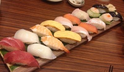 お寿司のファミリー盛り