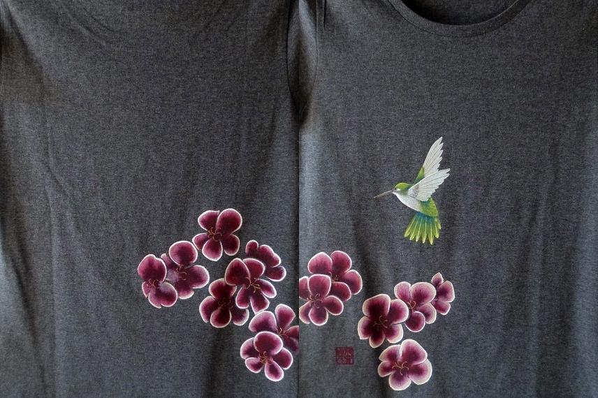 手描きTシャツ ペラルゴニウムとハチドリ