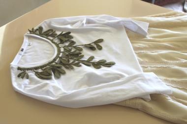 葉っぱとTシャツ1 1000