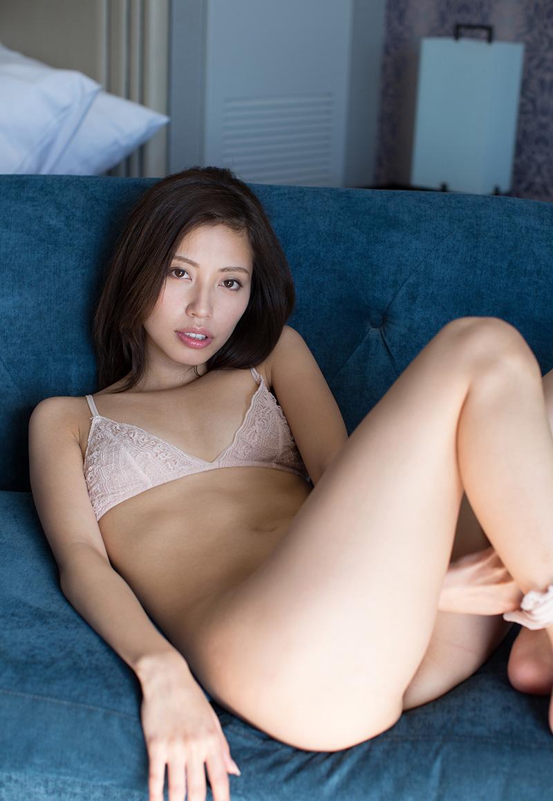 【No.23702】 下着 / 横山美雪