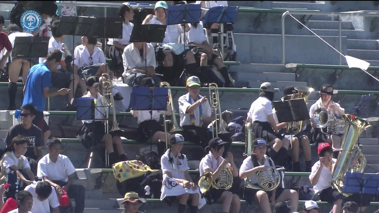 高校野球神奈川大会で女子高生がパンチラ
