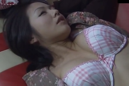 テレ東ドラマ「2ndハウス(セカンドハウス)」のベッドシーンでポロリした磯山さやかの乳輪