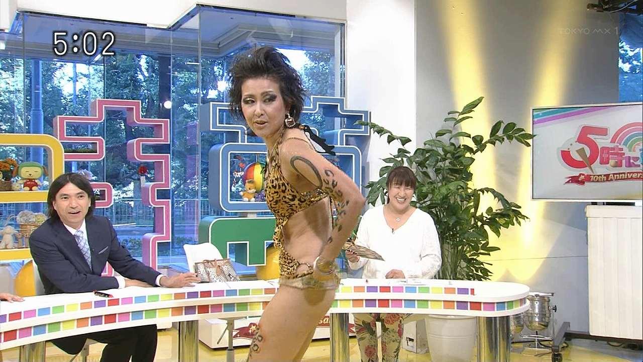 「5時に夢中!」に前貼り持参、ノーパンでテレビ出演した岡本夏生