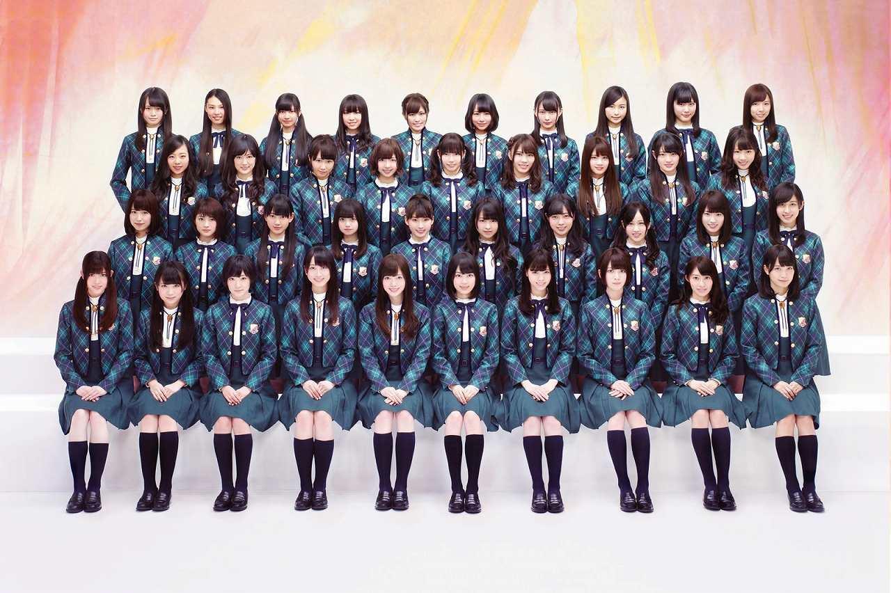 制服衣装を着た乃木坂46メンバー