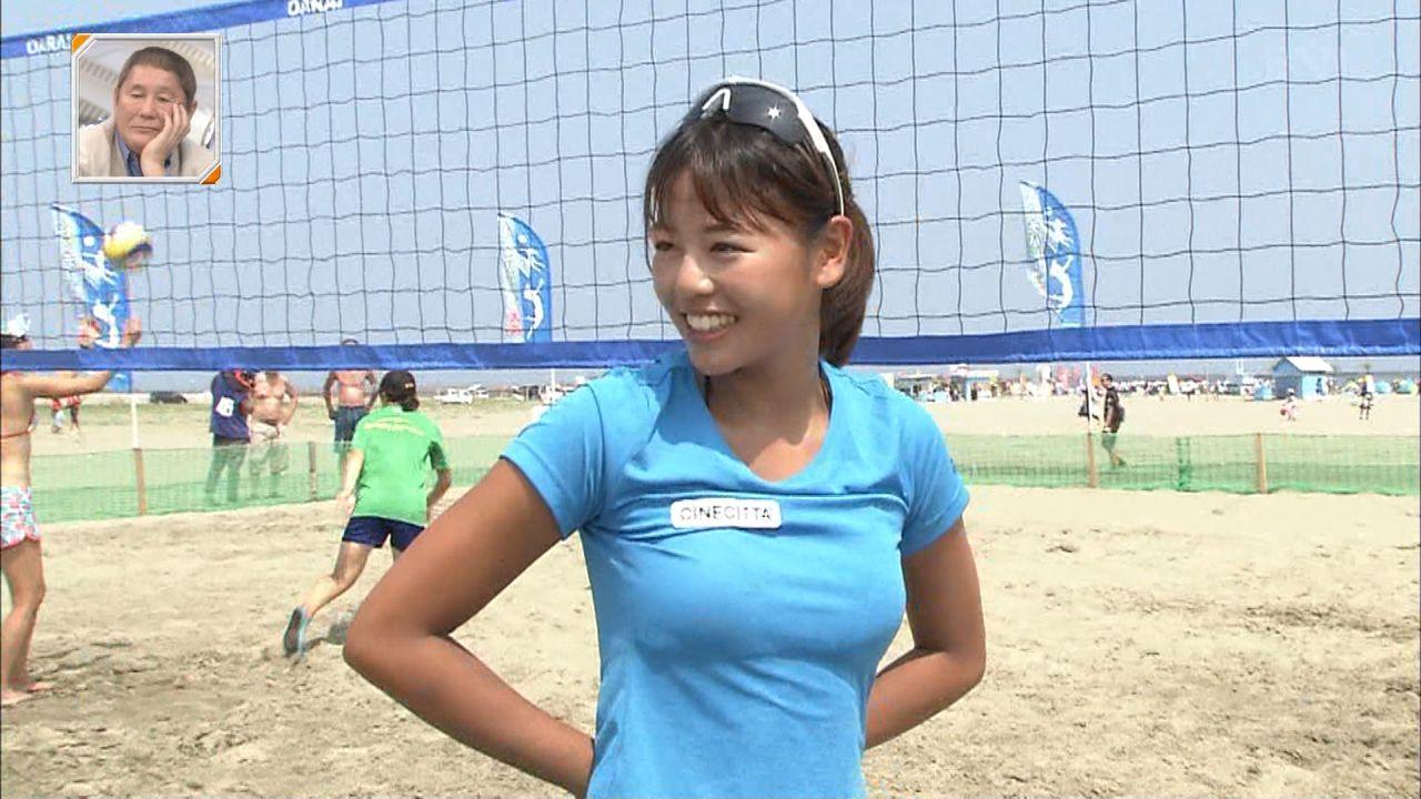 TBS「新・情報7daysニュースキャスター」、Tシャツを着た坂口佳穂の着衣おっぱい