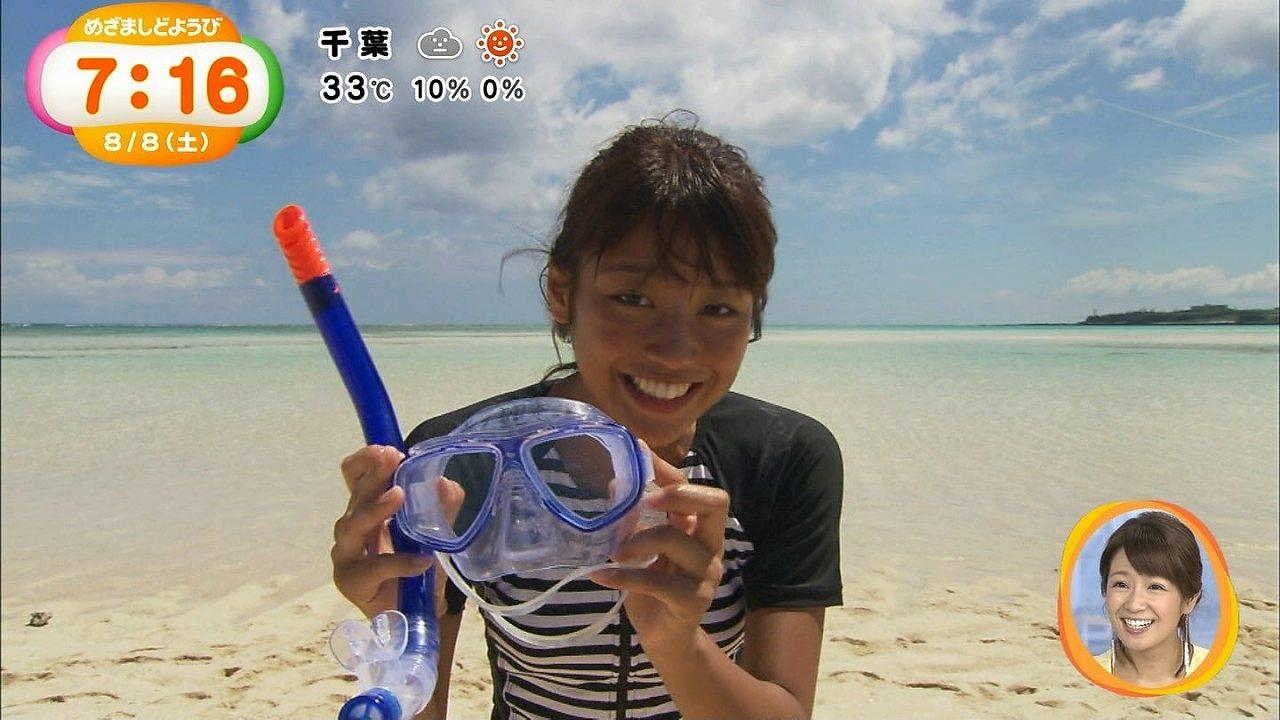 フジテレビ「めざましどようび」鹿児島の百合ヶ浜ロケで水着を着た岡副麻希アナ