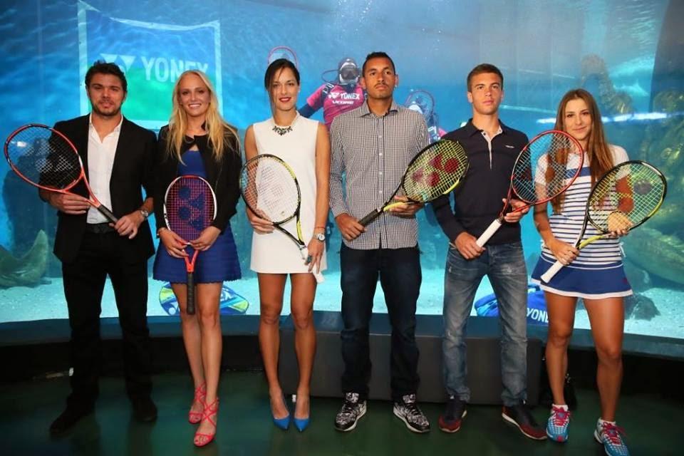 ヨネックス選手が全豪オープンを前に集結/左から、スタン・ワウリンカ選手、ドナ・ベキッチ選手、アナ・イバノビッチ選手、ニック・キリオス選手、ボルナ・コリッチ選手、ベリンダ・ベンチッチ選手