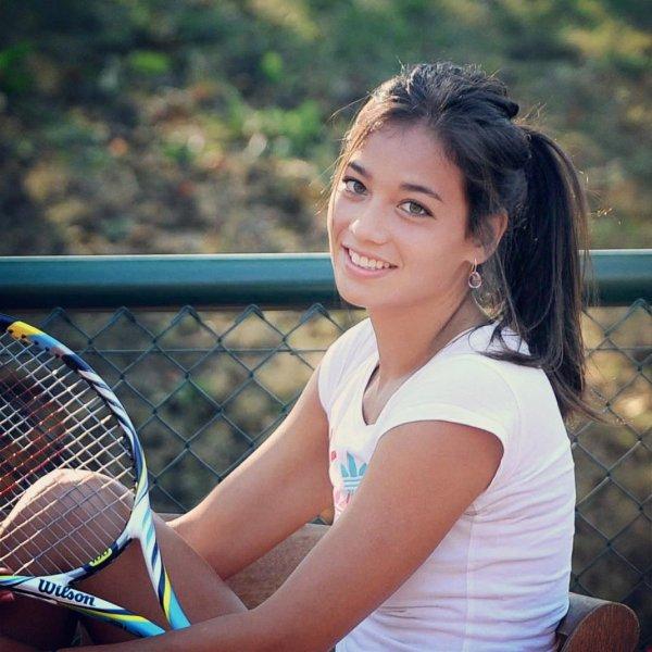 テニスプレイヤーのアリゼ リム