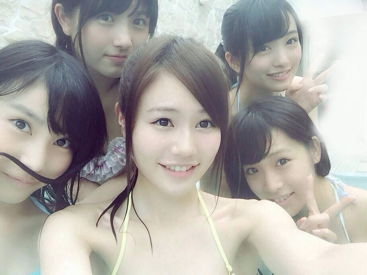 プライベートでプールに行ったAKB48若手メンバーのビキニ水着姿(大和田南那、向井地美音、福岡聖菜、込山榛香、市川愛美)
