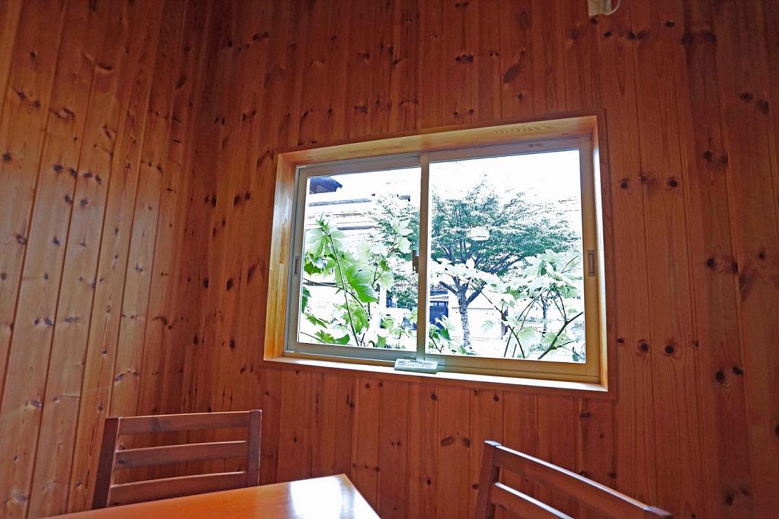 ビーンズ窓と壁1