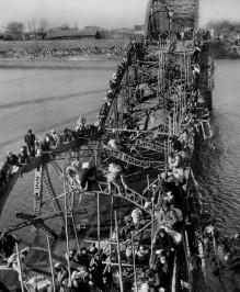 漢江人道橋爆破事件