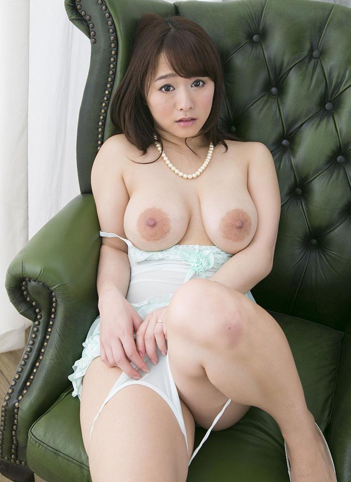 白石茉莉奈 爆乳 ヌード 画像 2