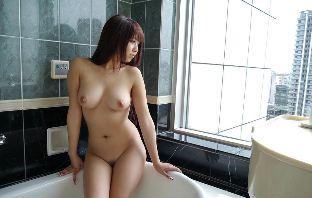 北川瞳 爆乳 ヌード 画像 2