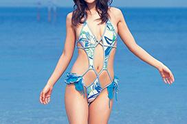 海とかプールとか行ったらこんなエッチな水着のお姉さんがいっぱいいるんでしょ?