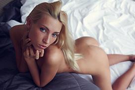 ブロンドヘアのえっちなお姉さん…外人金髪ヌード画像100枚