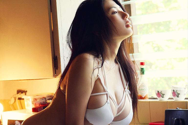 美麗グラビア × 滝沢乃南 ナチュラルなグラマラスボディ