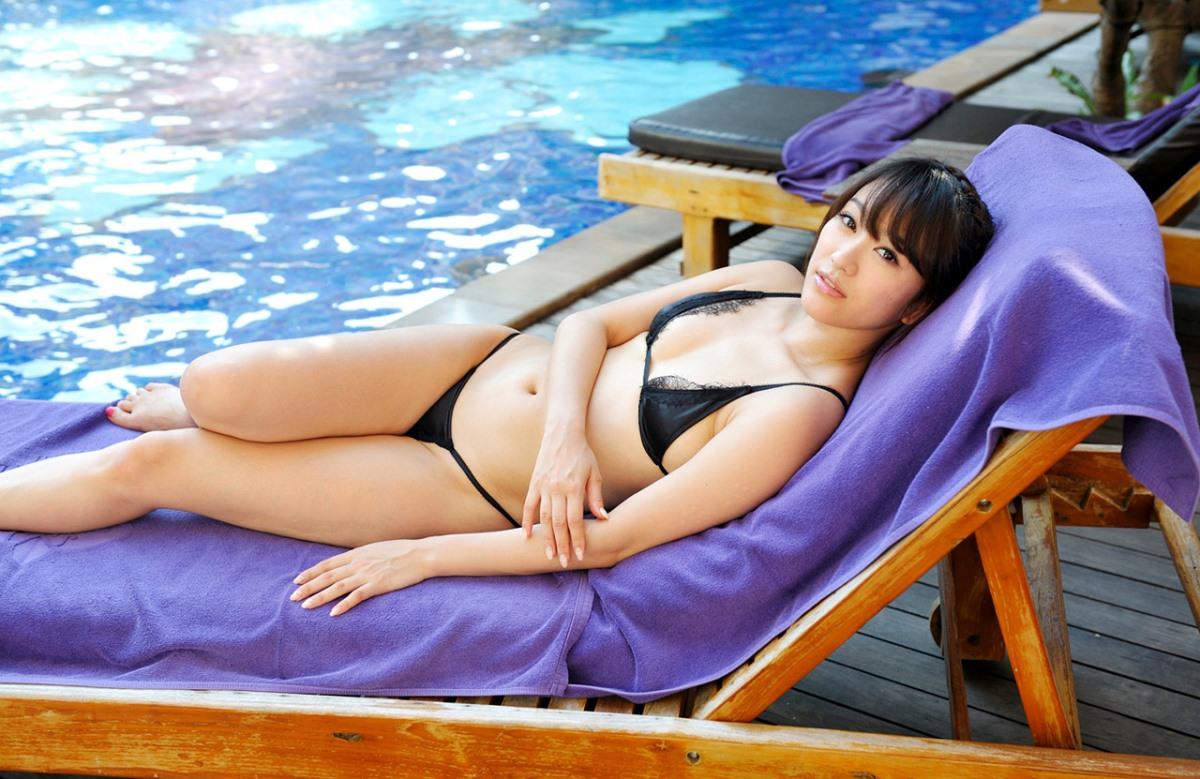 プール えっちなお姉さん 画像 24