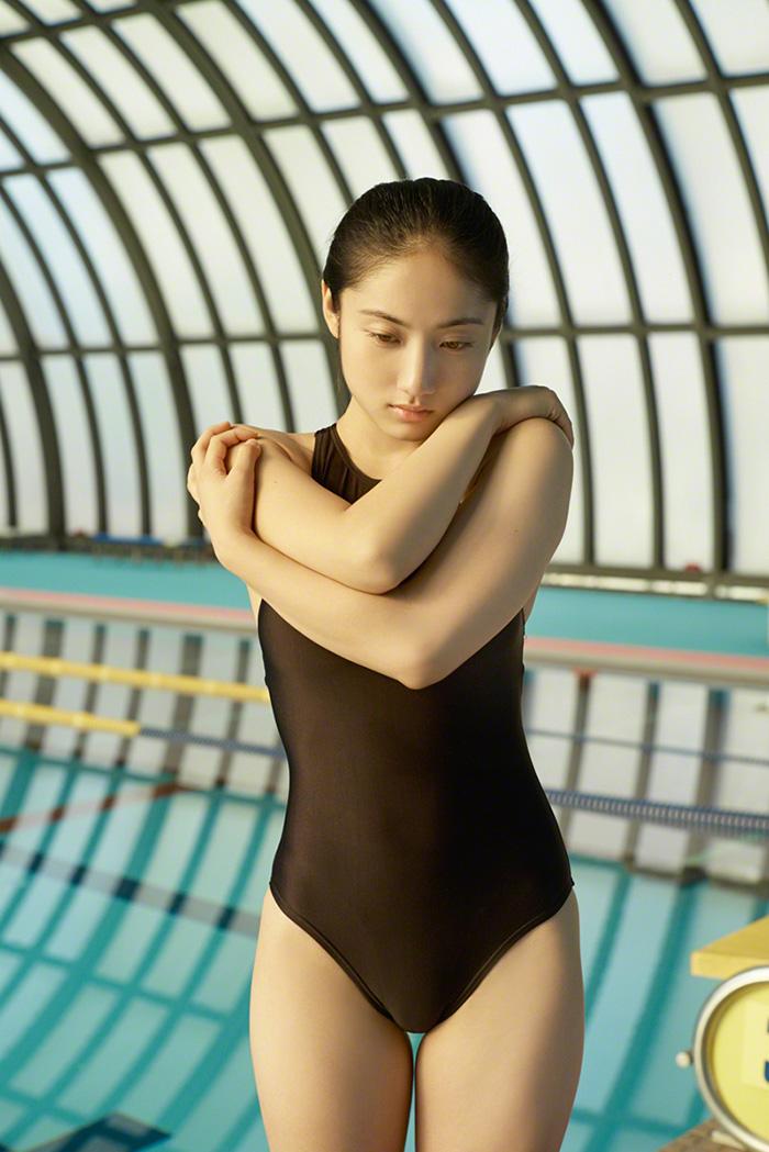 プール えっちなお姉さん 画像 93