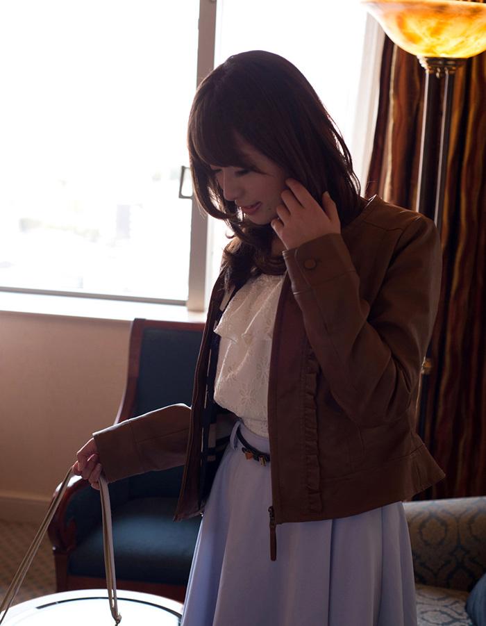 初美沙希 セックス画像 5