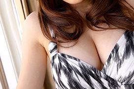 誰もが好物な巨乳の胸の谷間画像 part24