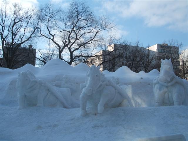 snowfeshs12.jpg