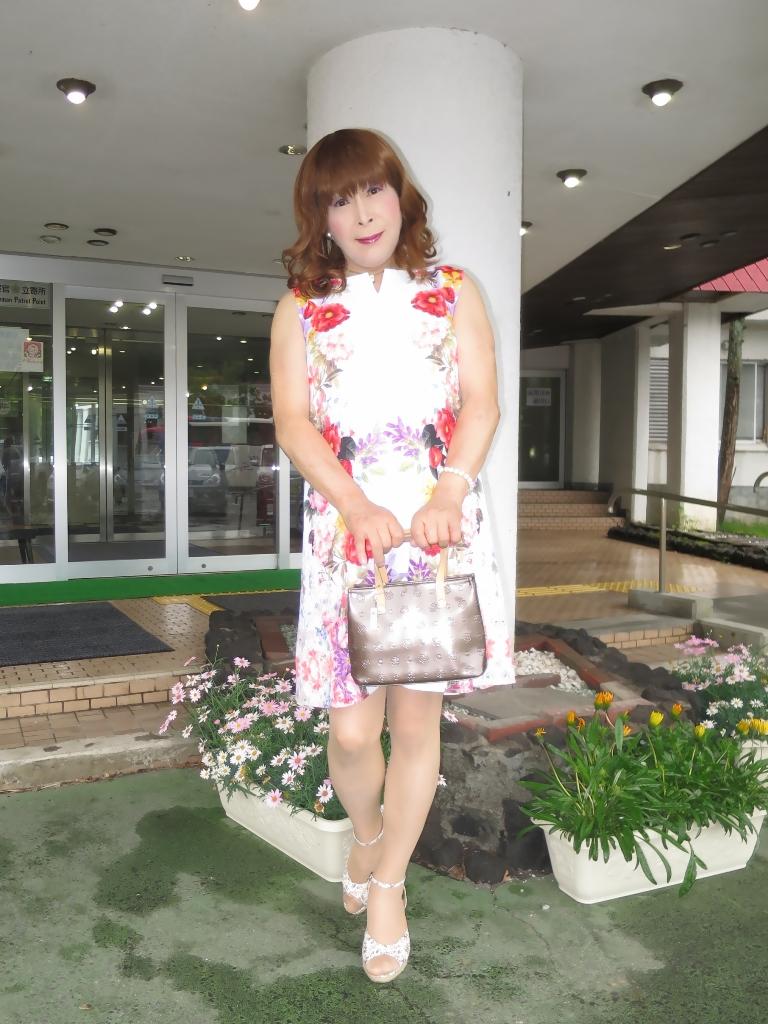 ビューホテル花柄ワンピA(2)