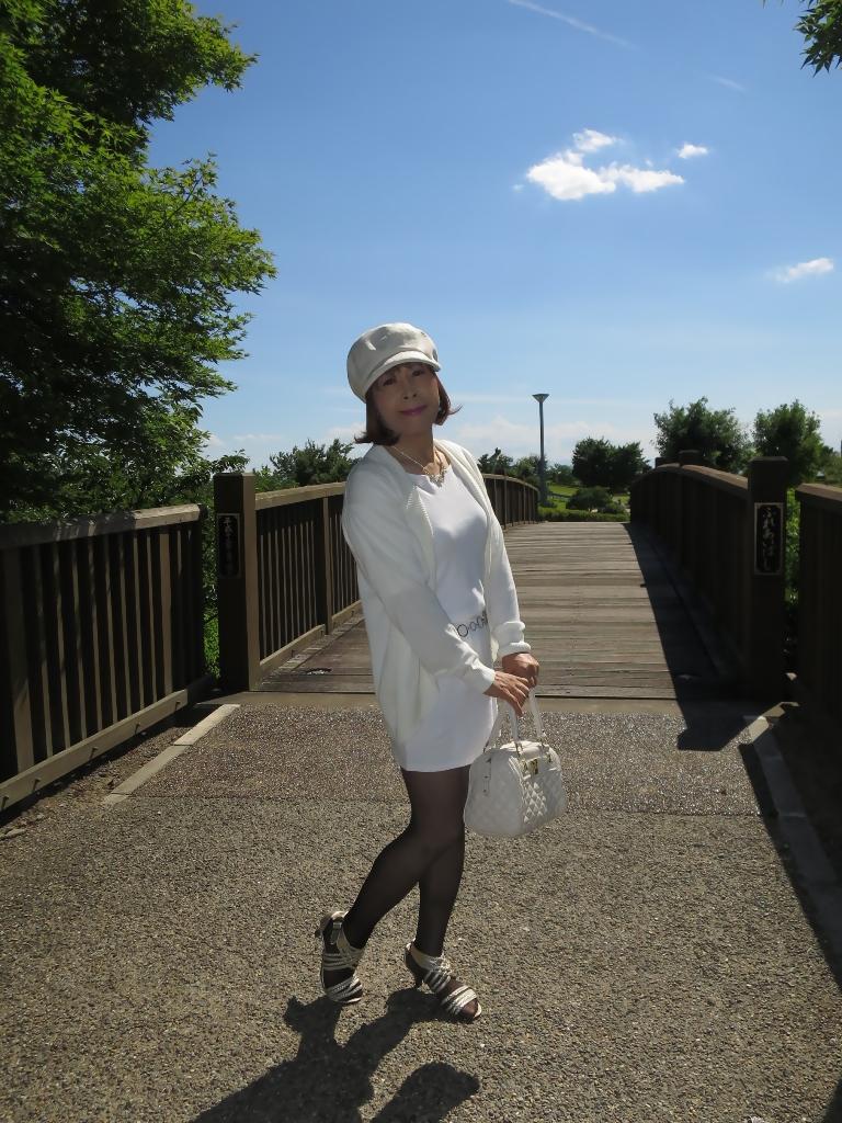 シンプル白ワンピ帽子A(2)