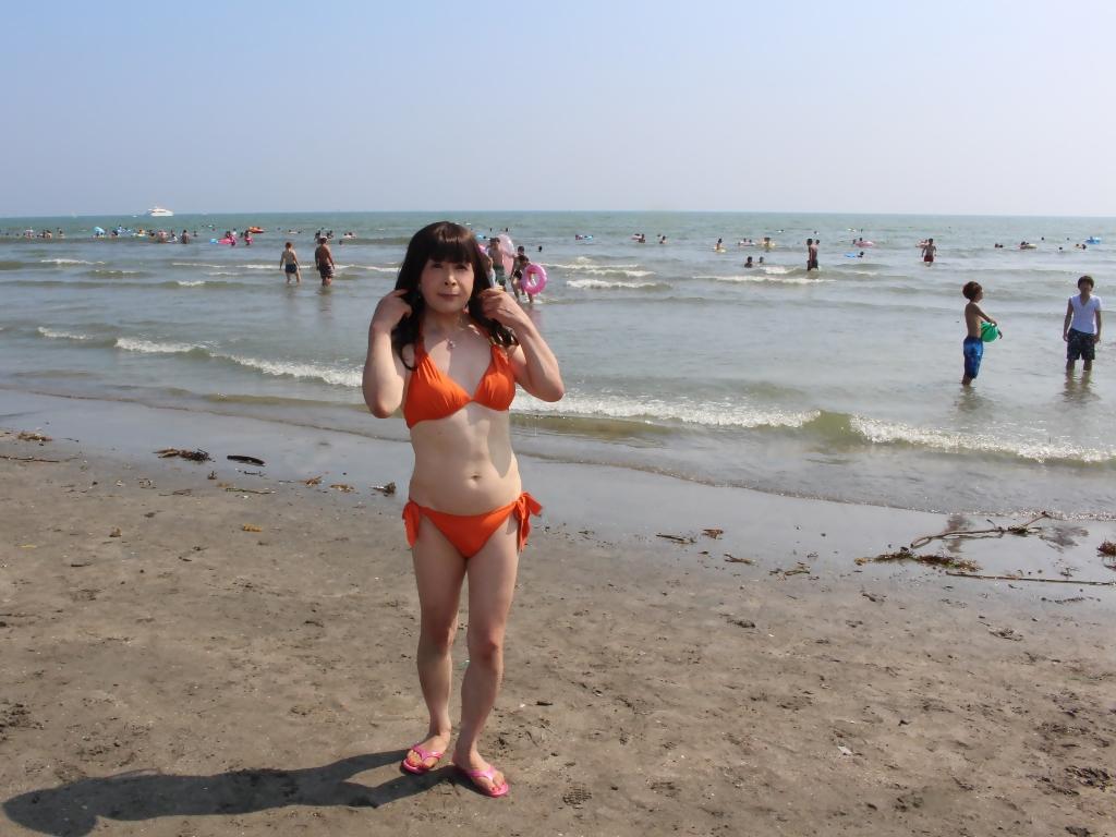由比ヶ浜オレンジ水着(4)