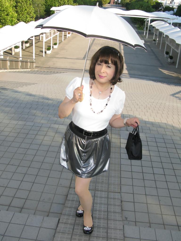 100904銀スカート(1)