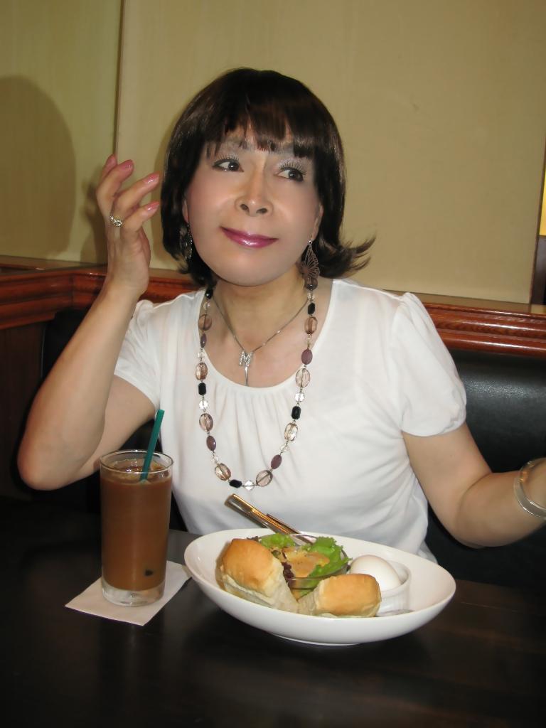 100904白カットソー朝食(2)