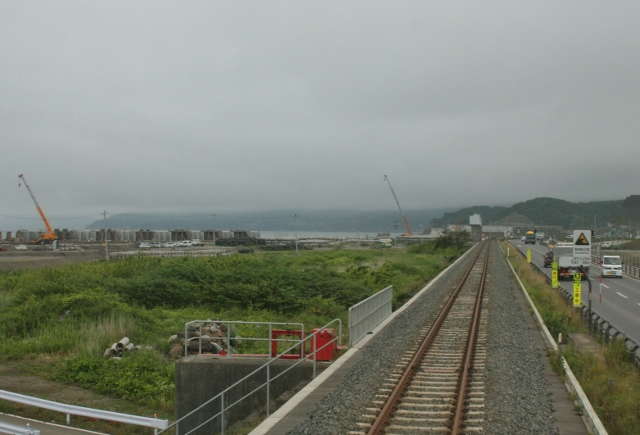 IMG_8825 海辺をゆく(640x435)