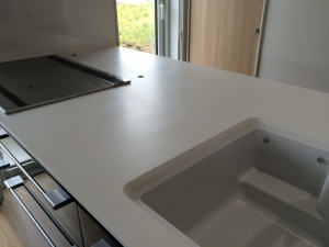 新品のキッチンカウンター