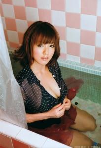 isoyama_sayaka_g081.jpg
