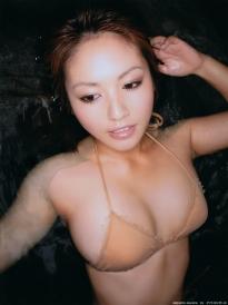 isoyama_sayaka_g095.jpg