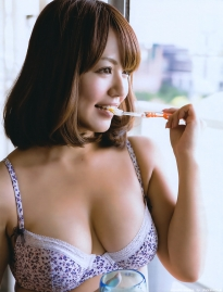 isoyama_sayaka_g096.jpg
