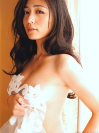 kawamura_yukie_g133.jpg