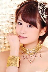 maeda_atsuko_g118.jpg