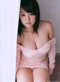 shinozaki_ai_g137.jpg