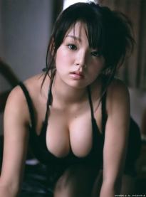 shinozaki_ai_g140.jpg