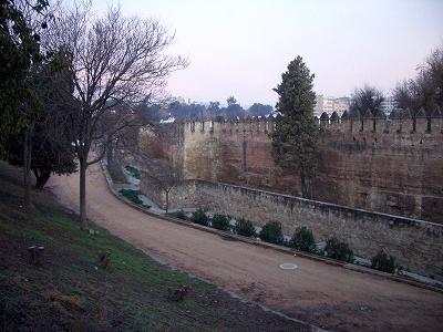 s-スペイン南部・アンダルシア地方の都市・コルドバの市壁