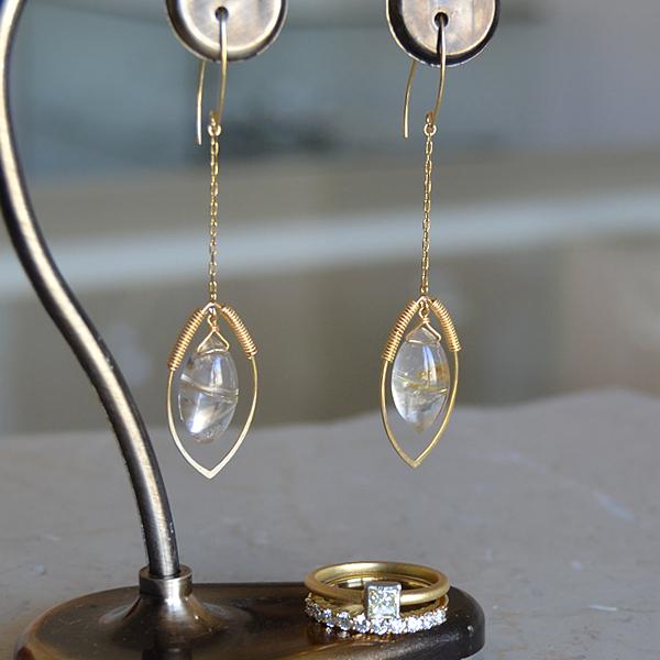 ルチルクォーツピアスとダイアモンドリング