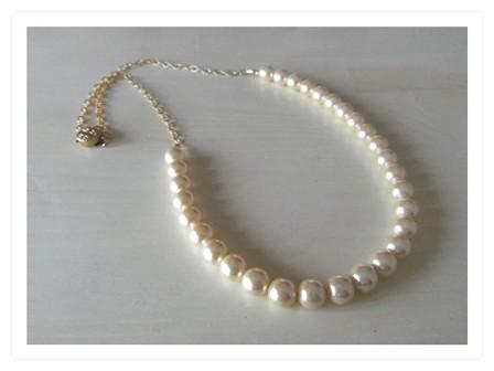 真珠の首飾り。